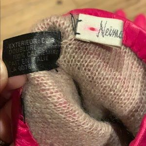 Neiman Marcus Accessories - Neiman Marcus Pink Leather Cashmere Lined Gloves